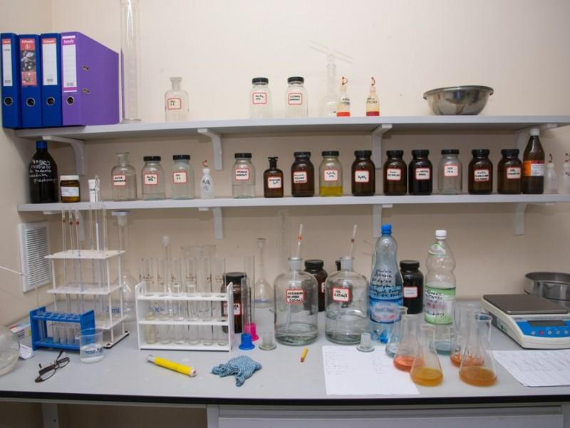 Jedna z części laboratorium geotechnicznego
